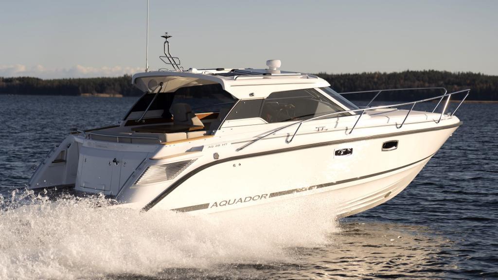 Aquador 28 HT – njutbar under lång säsong