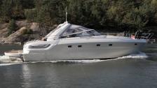 Bavaria 43 Sport - billig lyxbåt vs sommarstuga
